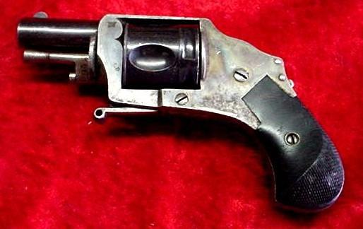 Pistolet BULLDOG calibre 320 Inconn10