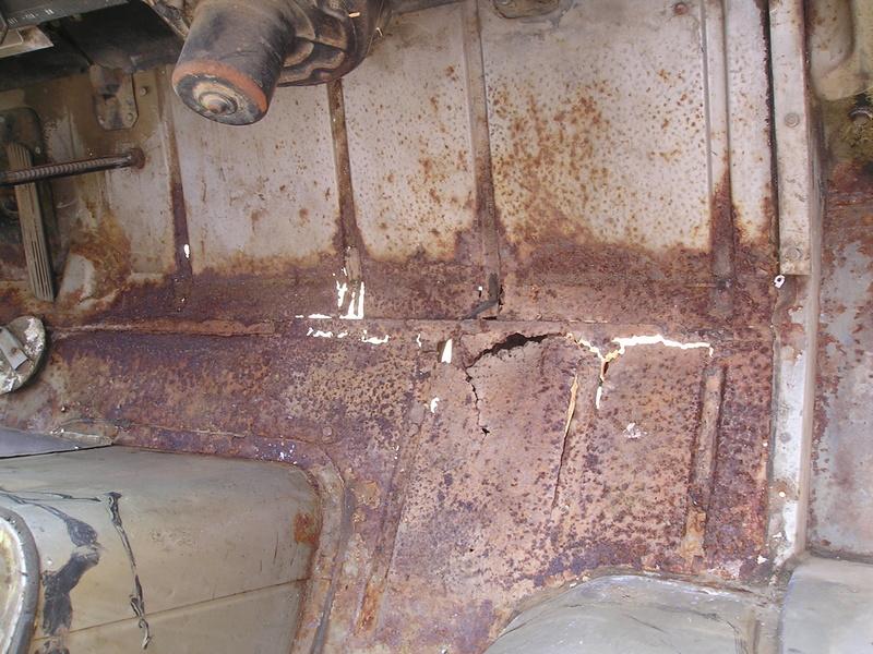 Russell's '66 Sportvan Deluxe Clean111