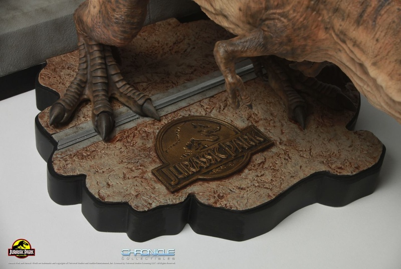 Figurine T-Rex Jurassic Park par Chronicle Collectibles  Figuri11