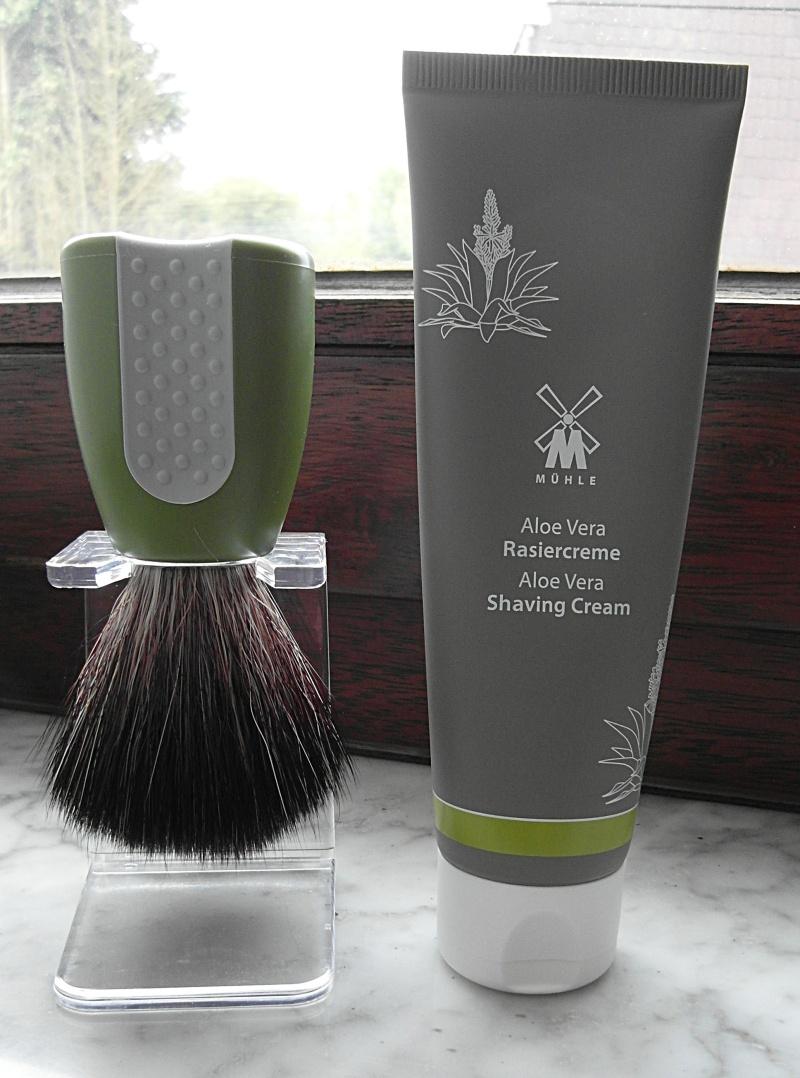 Revue du blaireau Muhle HJM Synthetic Hair Black Fibre ! Sam_1310