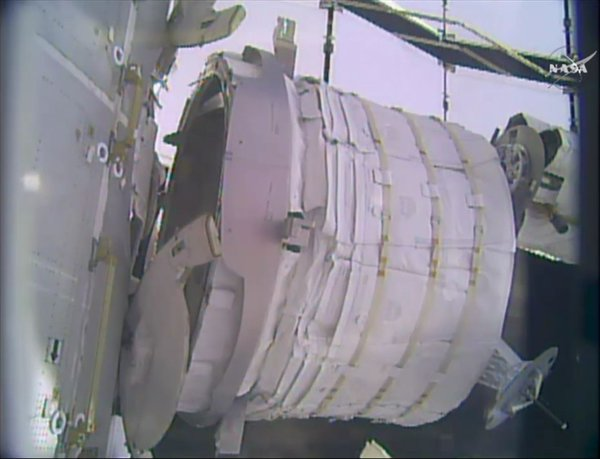 [ISS] Installation et suivi du module BEAM (Bigelow Expandable Activity Module)  212
