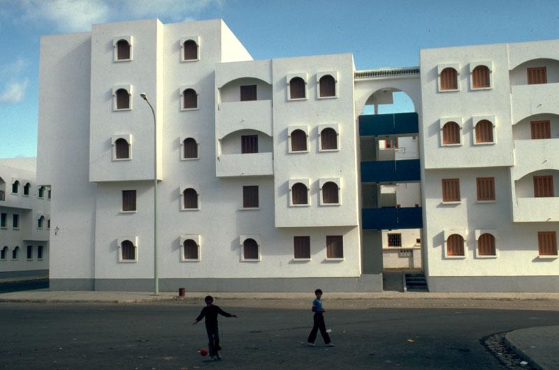 Darlamane, le bidonville qui emerge du prix Aga Khane 1986 A210