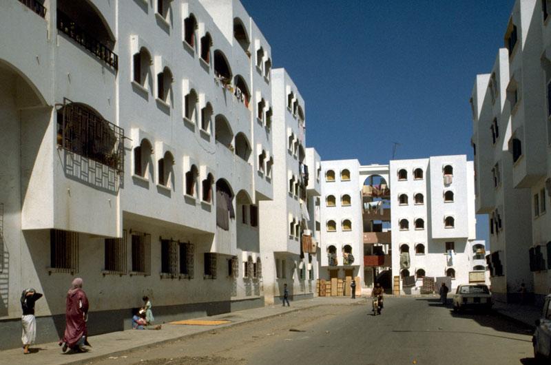 Darlamane, le bidonville qui emerge du prix Aga Khane 1986 A410