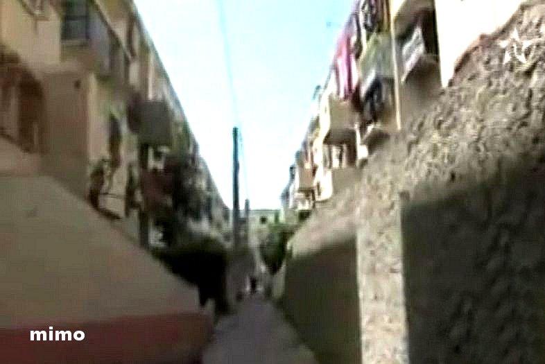 Darlamane, le bidonville qui emerge du prix Aga Khane 1986 B510