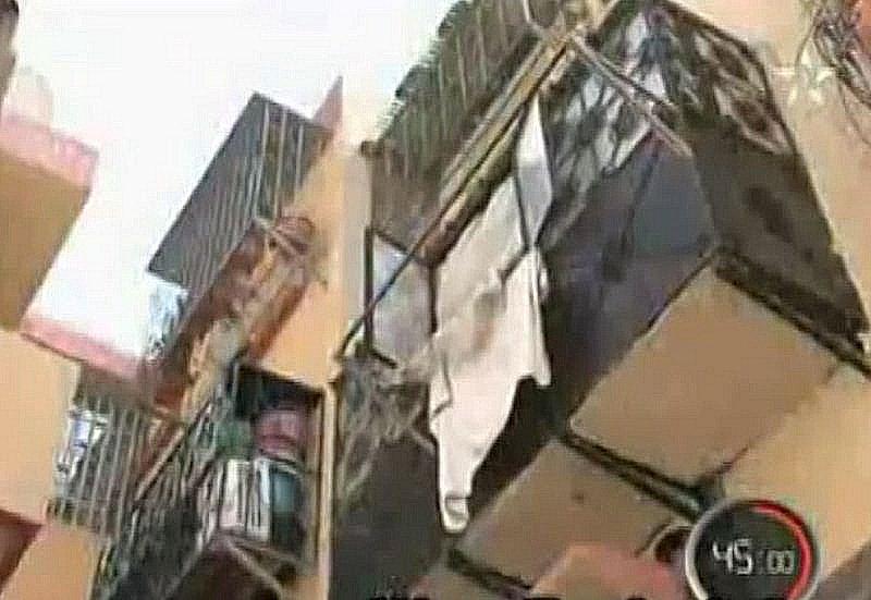 Darlamane, le bidonville qui emerge du prix Aga Khane 1986 B6c10