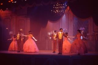 Anciens spectacles et parades de Disneyland Paris - Page 11 2014-010