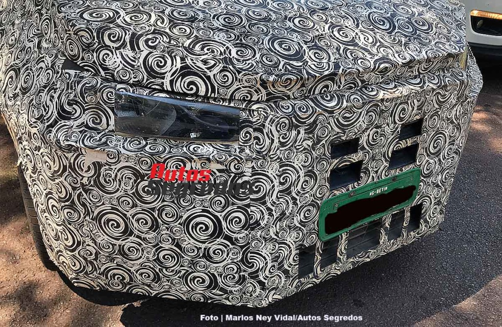 2020 - [Fiat] Strada 1flagr15