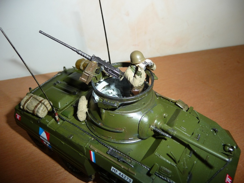U.S. M8 Light Armored Car GREYHOUND  - TAMIYA 1/35 -  réf: 228 P1060721