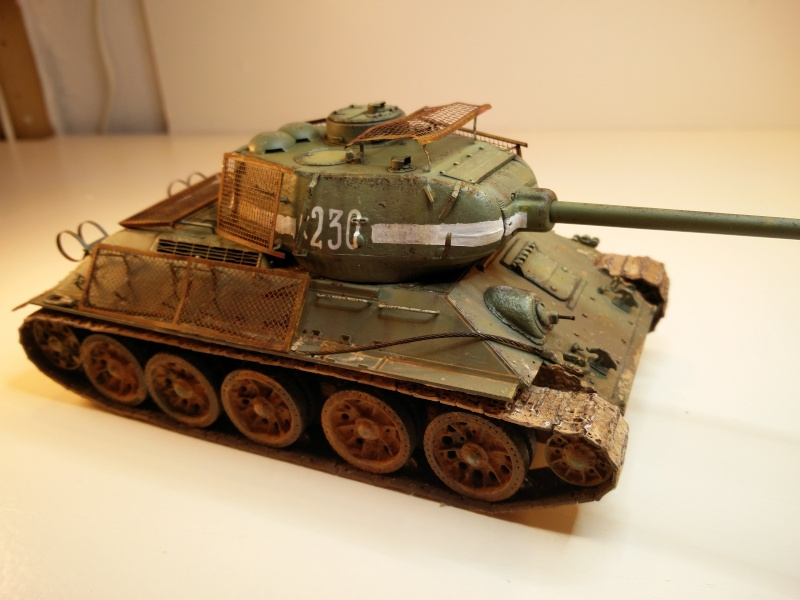 Dragon T34-85 Bed Spring Img_2042