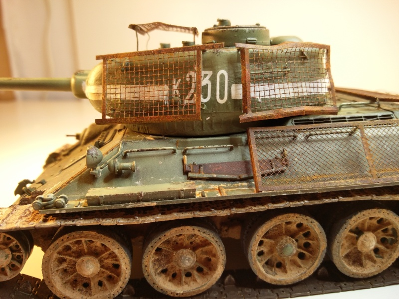 Dragon T34-85 Bed Spring Img_2048