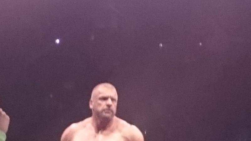 Tournées Européennes de la WWE - Page 4 Triple12