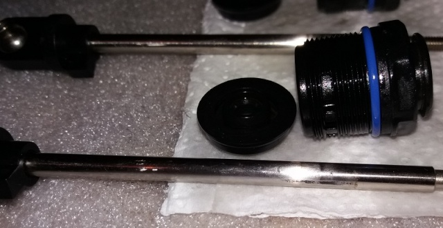 MONTAGE des BOUCHONS Inférieurs d'AMORTISSEUR Aluminium DHAWK RACING 20160440