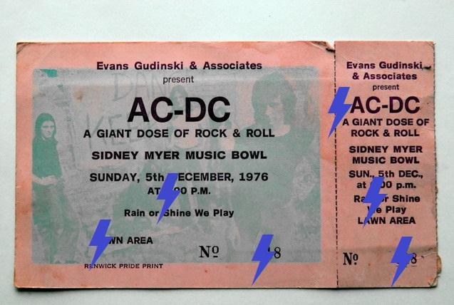 1976 / 12 / 05 - AUS, Melbourne, Sidney Myer Music Bowl 05_12_10