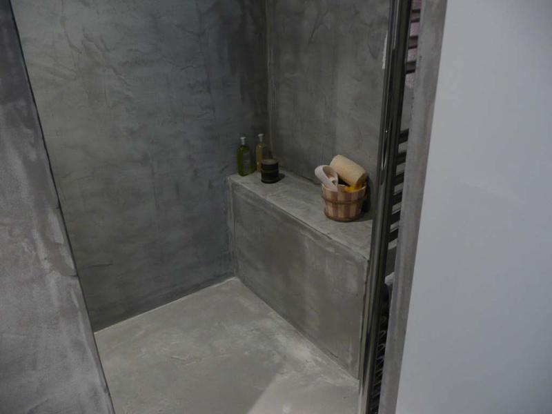 On fait péter la salle de bain  - Page 3 Sol_de10