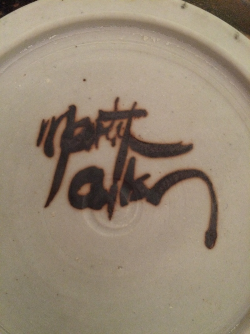 Signed studio pottery plate w/ charming painted turtles - help w/ signature Img_3617