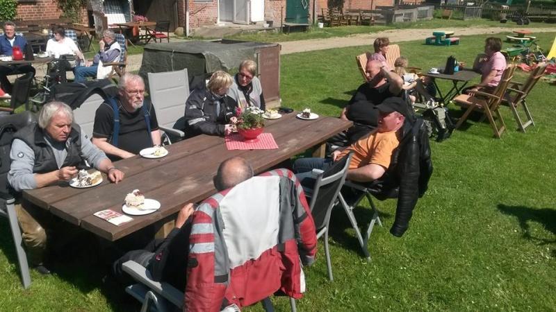 Ausflugstour mit 14 Gutwetterbegeisterten 28.05.2016 Dodau_18
