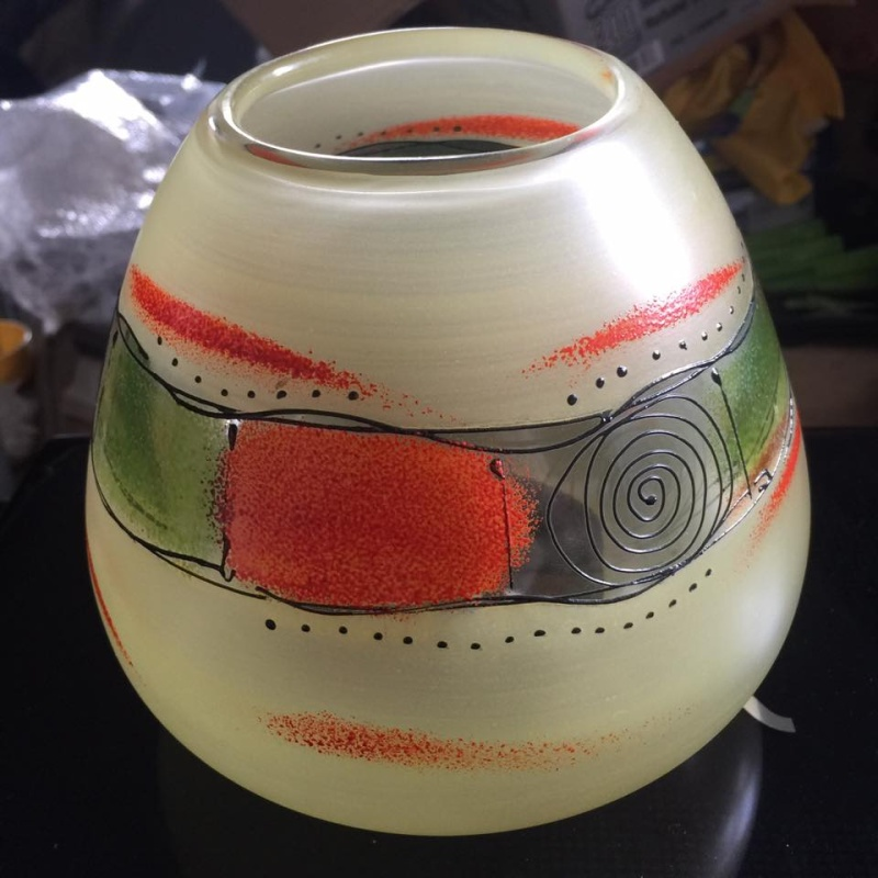 does any one recognise this vase please Front10