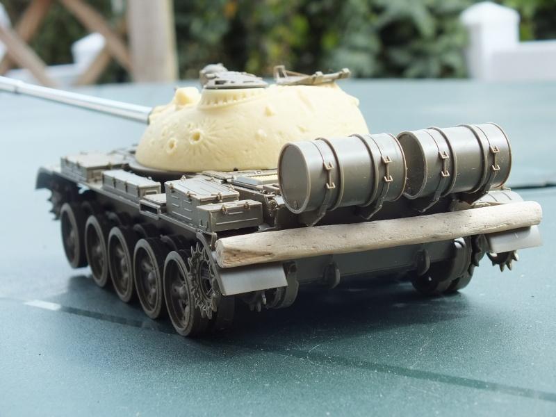 Tamiya T55 A 1/35 réf: 3257 avec tourelle Verlinden , char détruit en Afghanistan. Dscf9310