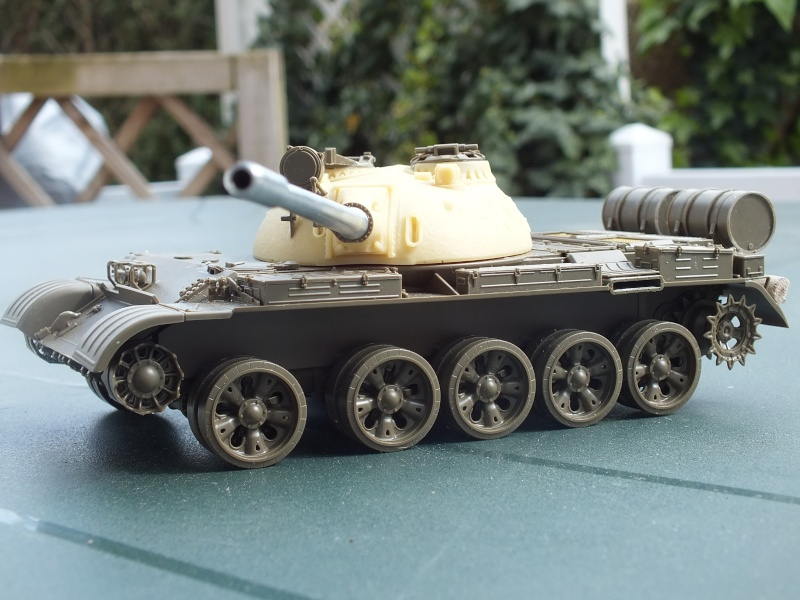 Tamiya T55 A 1/35 réf: 3257 avec tourelle Verlinden , char détruit en Afghanistan. Dscf9311