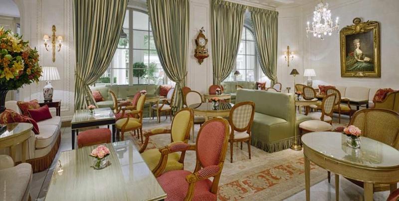 Marie-Antoinette fait salon au Bristol Paris 12196210