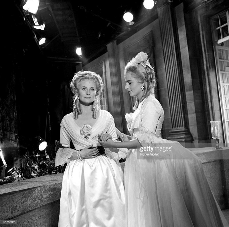 Marie Antoinette avec Michèle Morgan (Delannoy) - Page 10 Zzzzfe11
