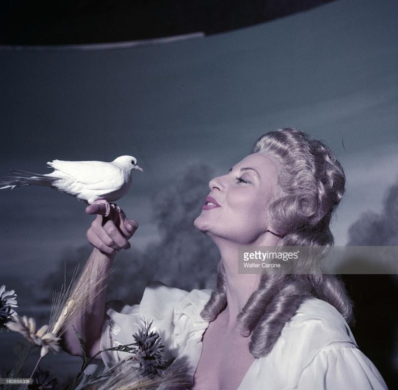 Marie Antoinette avec Michèle Morgan (Delannoy) - Page 10 Zzzzfe13