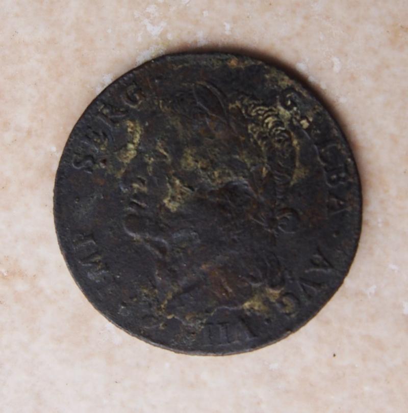 Médaillon de l'empereur Galba - Page 4 P1011219