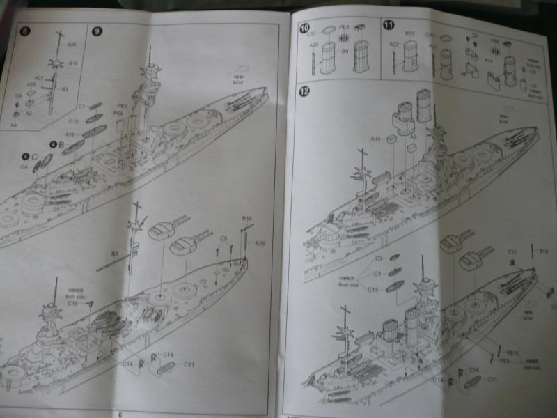 HMS Queen Elizabeth 1918 Trumpeter 1/700 + PE White Ensign+ pont bois Artwox + figurines Eduard P1210115