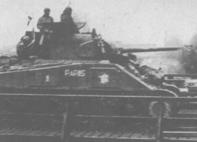 """vieux sujet ( buldozer et Sherman """" Paris """" ) Paris_11"""