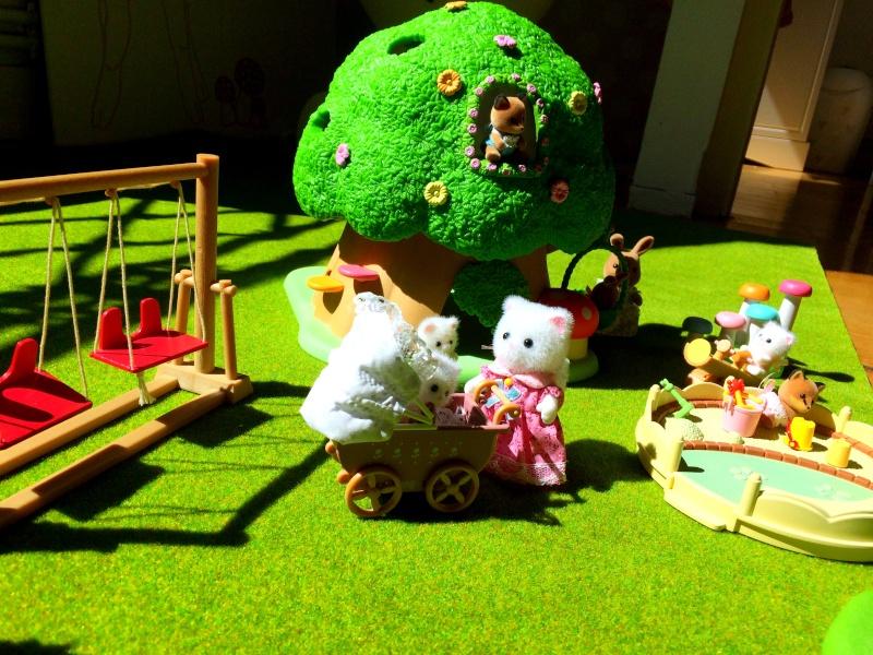Happyland ⭐️, village de Marionnettes et ses filles Image103