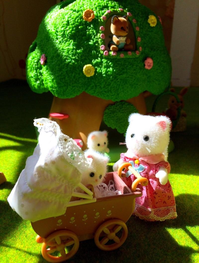Happyland ⭐️, village de Marionnettes et ses filles Image105