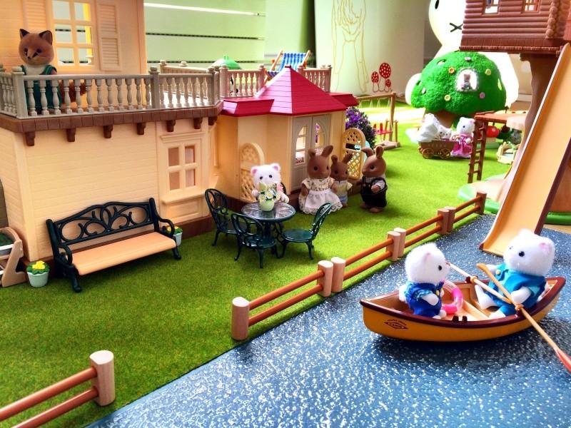 Happyland ⭐️, village de Marionnettes et ses filles Image77