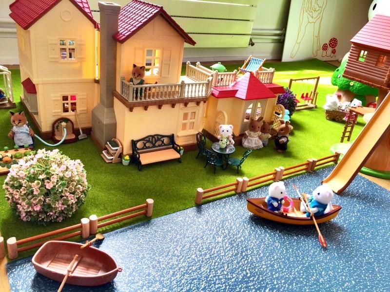 Happyland ⭐️, village de Marionnettes et ses filles Image93