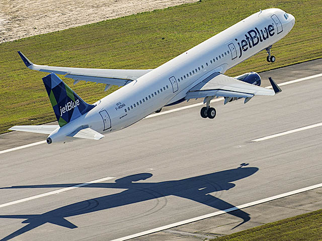 Mobile, Alabama : sortie du premier Airbus américain Jetblu13