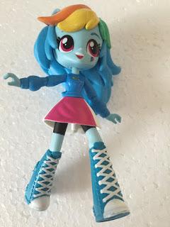 Un vendedor en Ebay Tiene trabajos publicados hasta una tonelada de Próximos Equestria Girls Mini Figuras  1116