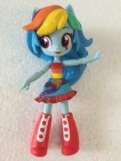 Un vendedor en Ebay Tiene trabajos publicados hasta una tonelada de Próximos Equestria Girls Mini Figuras  710