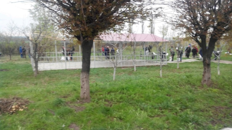 Субботник 16 апреля 2016г. Мемориальный комплекс Саур Могила. 11210