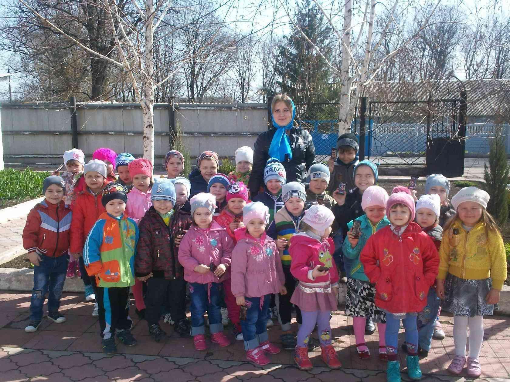 А в детском садике праздник. 410
