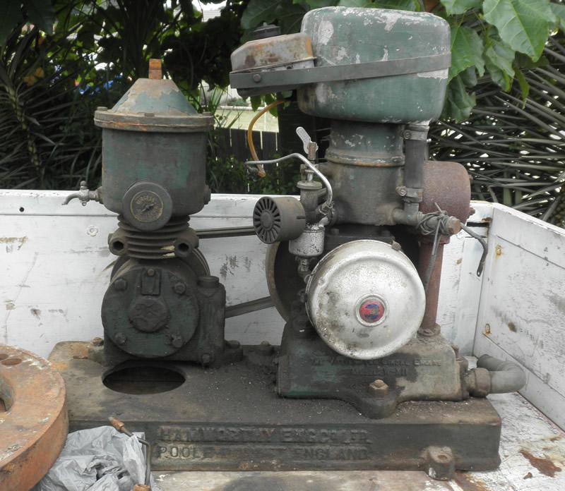 Hamworthy Air Compressor info for Newbie from Australia  P4080010