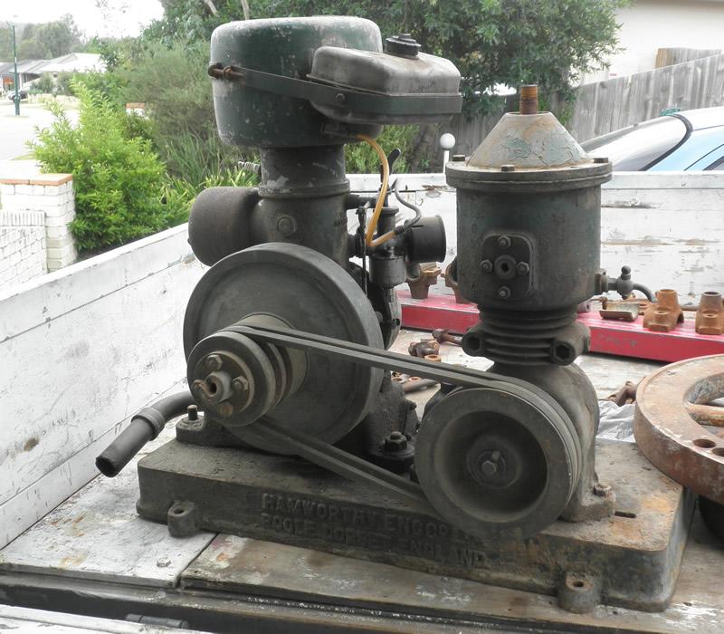 Hamworthy Air Compressor info for Newbie from Australia  P4080011