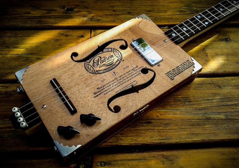 Oogie Guitars 113