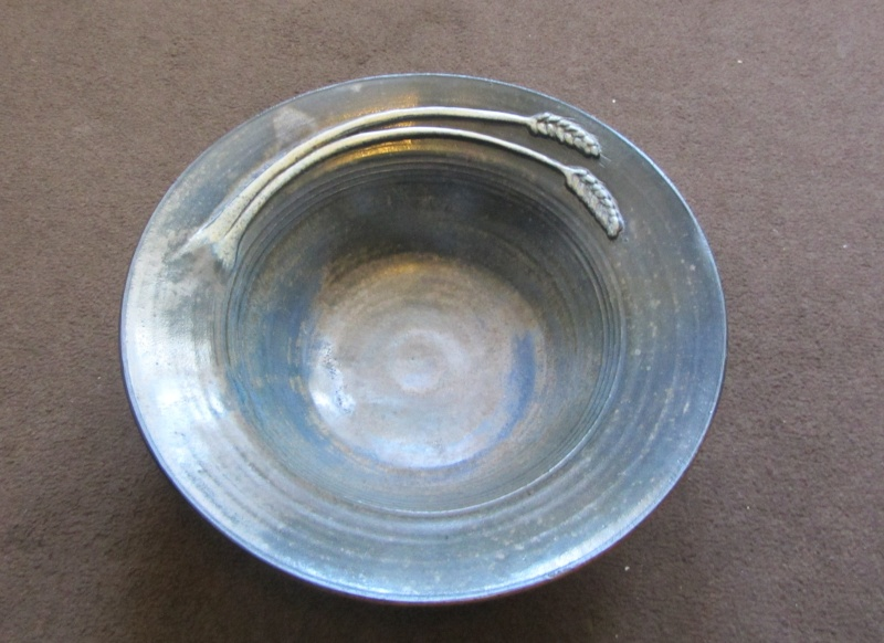 Studio pottery bowl. Can someone help I.D. please Img_1811