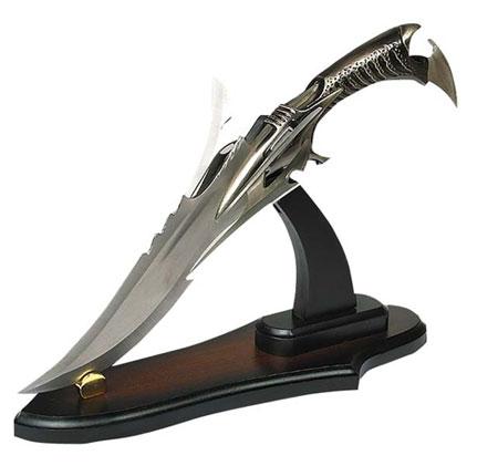 Les 8 armes Légendaires aussi Nommé Shinigami. A LIRE!!!!!!!!!!!!! Dague_10