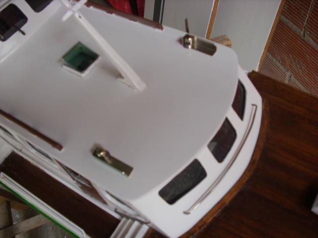 yacht le BRIGAND au 1/25° de NAVIG - Page 2 Dsci0026