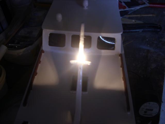 yacht le BRIGAND au 1/25° de NAVIG - Page 2 Dsci0029