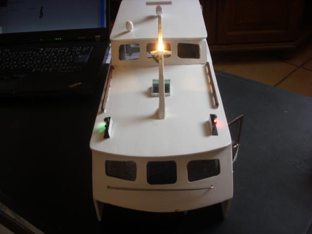 yacht le BRIGAND au 1/25° de NAVIG - Page 3 Dsci0037