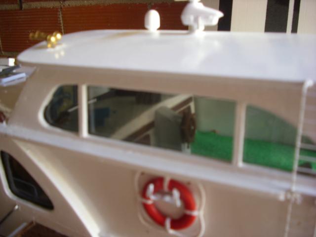 yacht le BRIGAND au 1/25° de NAVIG - Page 4 Dsci0053