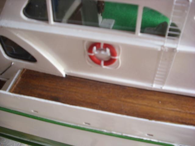 yacht le BRIGAND au 1/25° de NAVIG - Page 4 Dsci0056