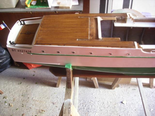 yacht le BRIGAND au 1/25° de NAVIG - Page 5 Dsci0072