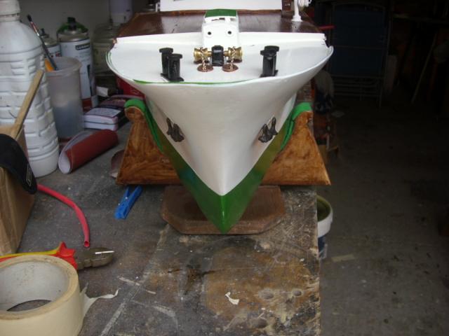 yacht le BRIGAND au 1/25° de NAVIG - Page 5 Dsci0115